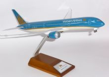 Boeing 787-9 Vietnam Airlines Risesoon Skymarks Collectors Model 1:200 E